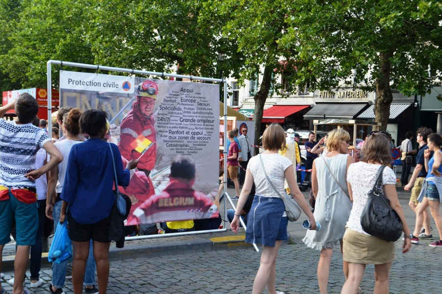 Sicherheitsdorf am Sablon/Zavel in Brüssel am Nationalfeiertag