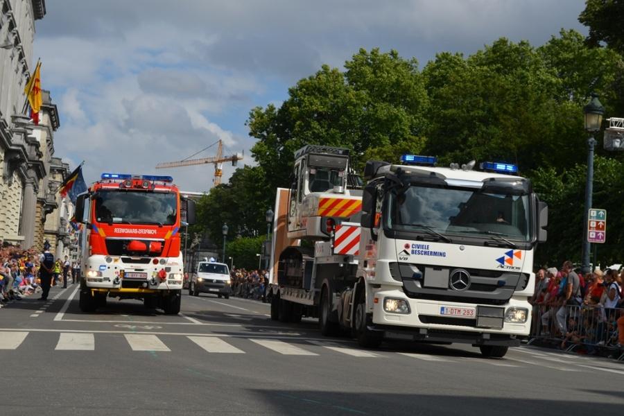 Feuerwehr und Zivilschutz nehmen gemeinsam am Defilee teil
