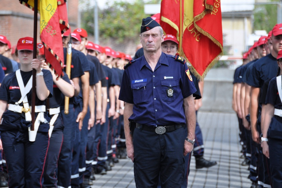 Revue des troupes jeunes sapeurs-pompiers (photo René Huybrechts)